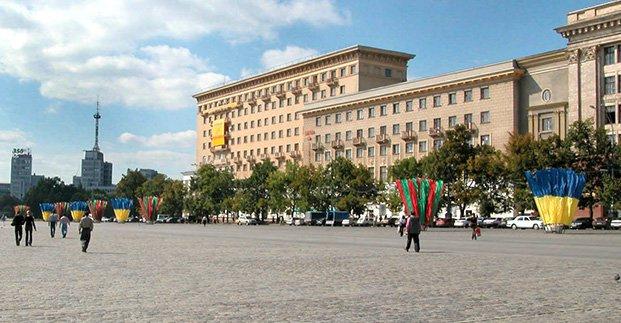 В воскресенье перекроют часть площади Свободы. На улице Дмитриевской запрещается движение транспорта