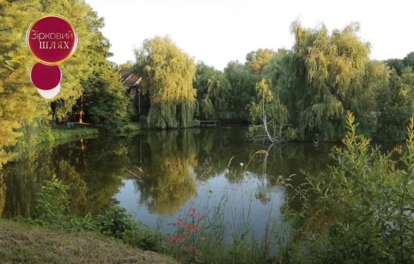 Главный усач страны Павел Зибров показал как живет: роскошное поместье