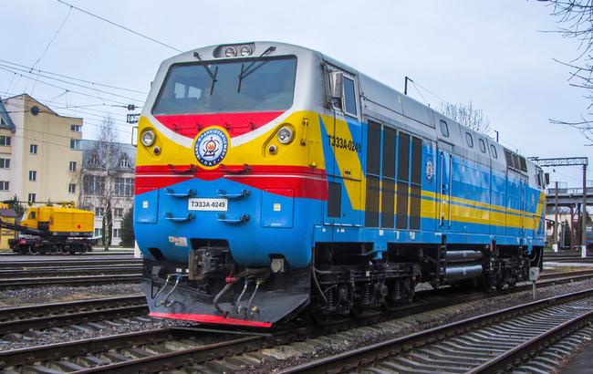 """""""Івано-Франківськцемент"""" не може використовувати свої локомотиви – Укрзалізниця заборонила"""