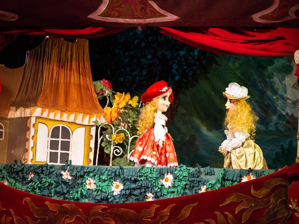 Картинка кукольный спектакль красная шапочка