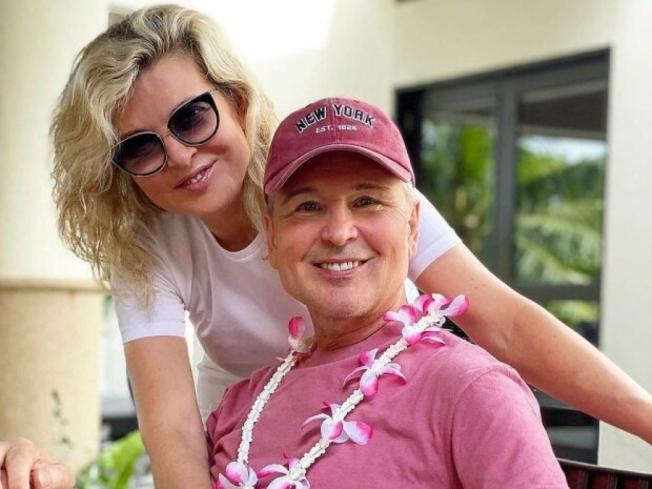 61-летний Александр Малинин из-за увлечения косметологией стал копией своей жены